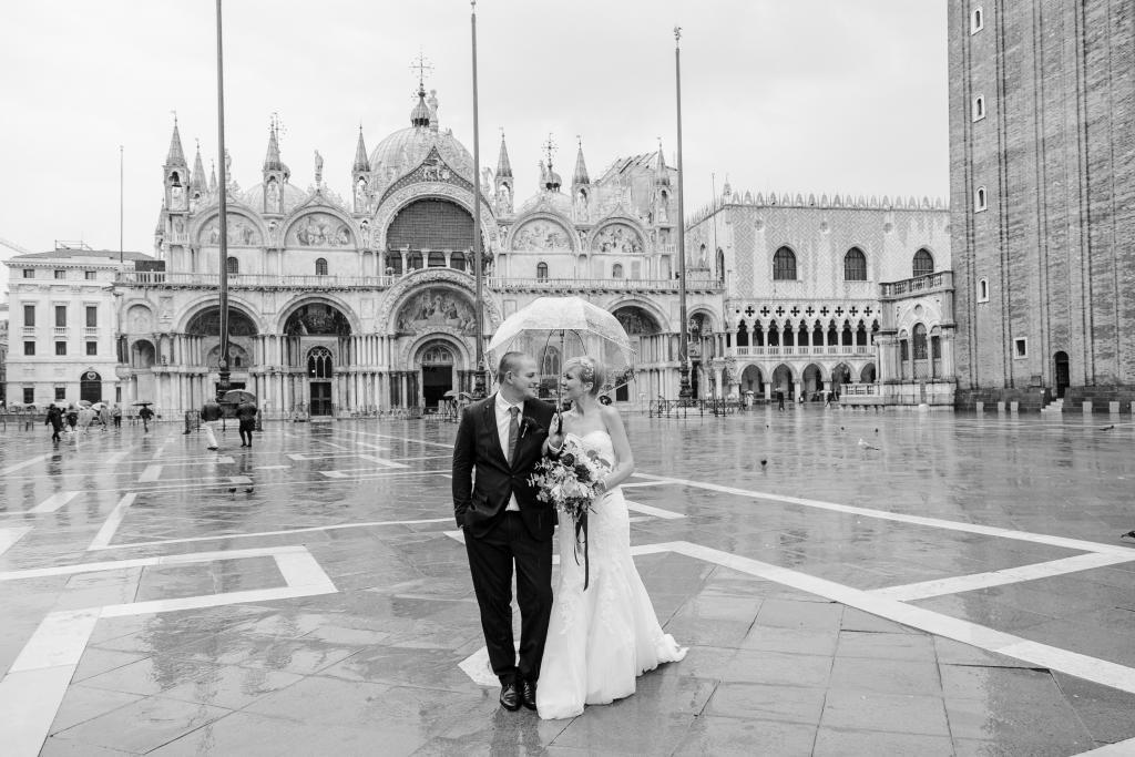 Nadine & Tobias | After-Wedding bei Regen in Venedig