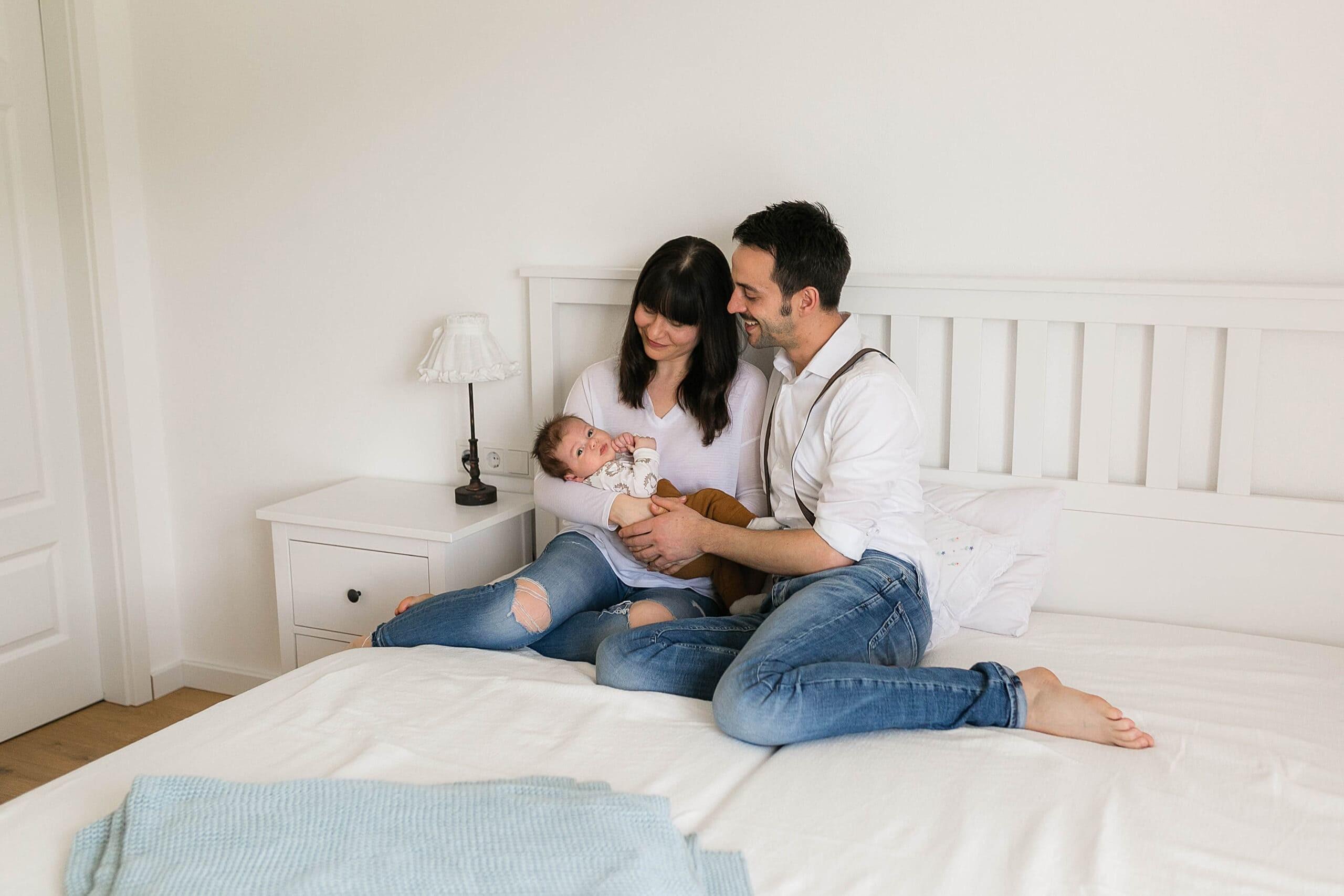 Babyfotos zu Hause – wie läuft eine Newborn Homestory ab